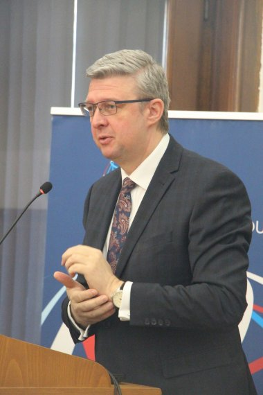 04 ministr karel havlicek behem projevu
